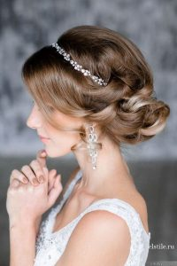 Best 13 Bridal Hairstyles for the Wedding Season